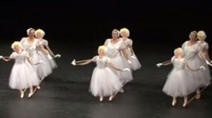 Extrano espectaculo de ballet Portada