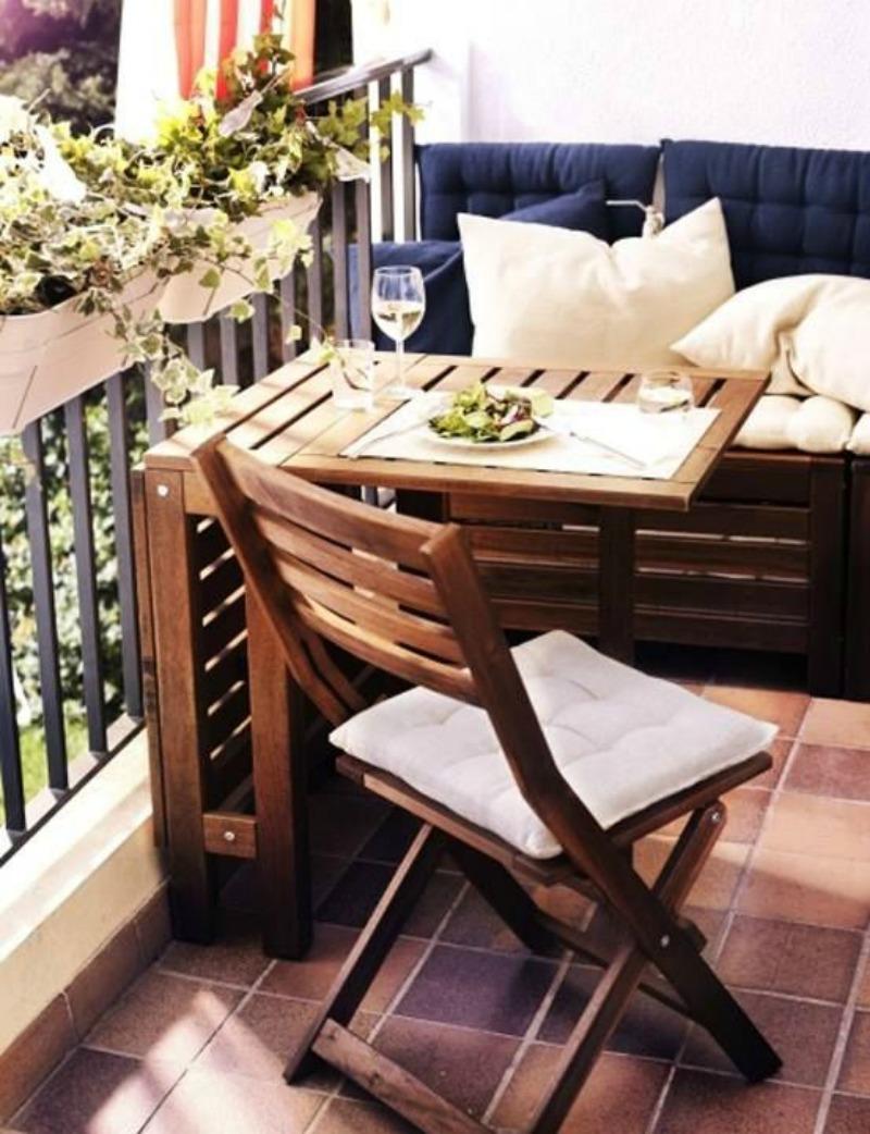 Как оформить маленький балкон: 40 примеров и идей.