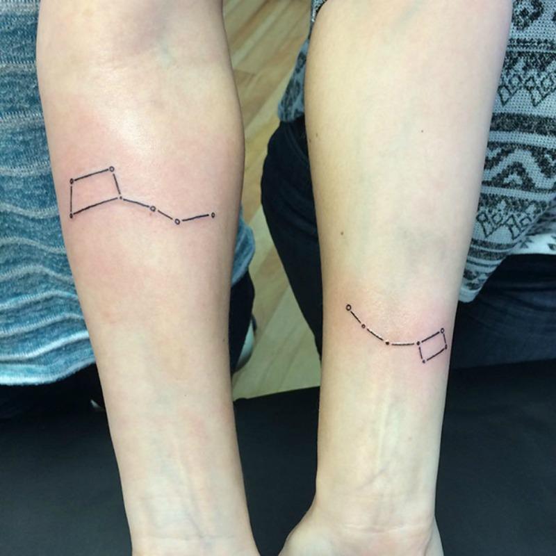 Tatuajes entre hermanas foto 12