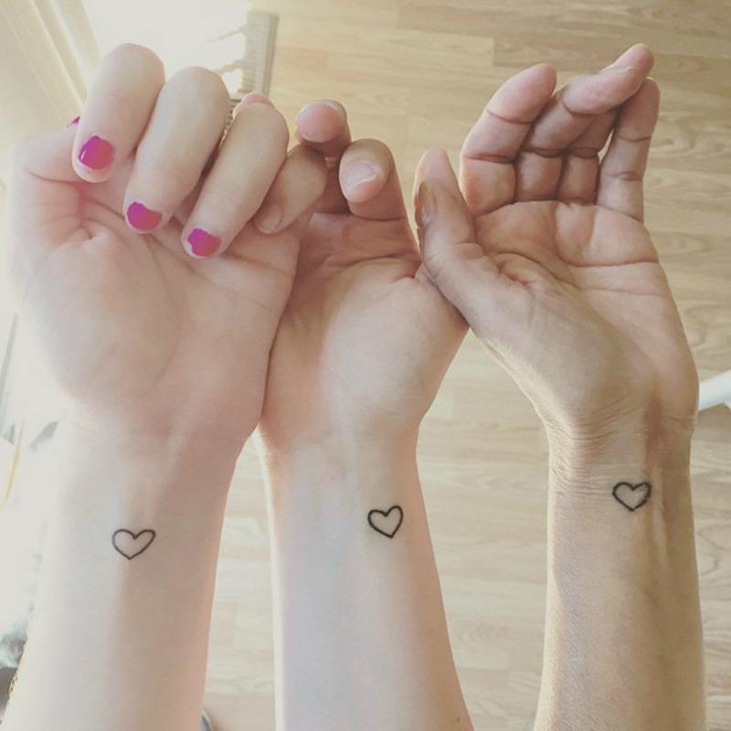 Tatuajes entre hermanas foto 19