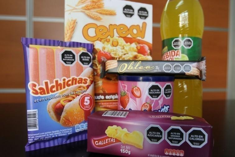 Chile prohibe venta de juguetes con comida 3