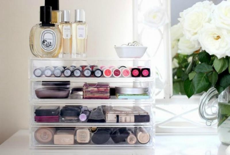 Almacenaje de cosmeticos 1